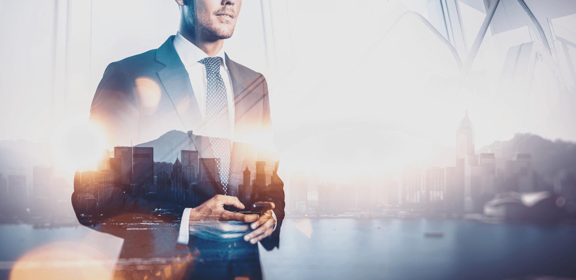 VISÃO VOLTADA PARA O FUTURO Estamos sempre em busca de inovação, com foco na necessidade de nossos clientes.